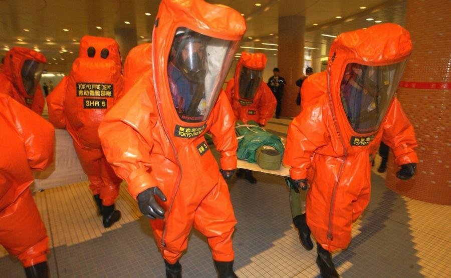 Ćwiczenia japońskich strażaków w metrze w Tokio