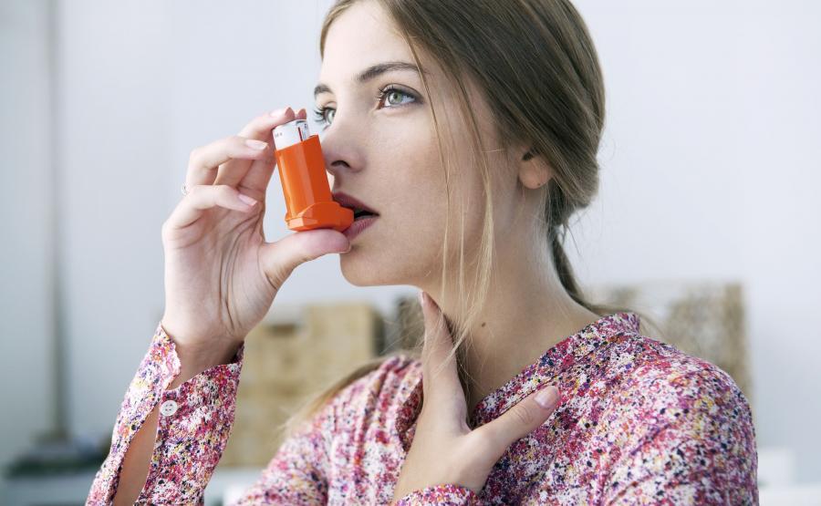 Wśród osób, które miały stwierdzoną astmę na początku badania, nieco ponad 10 procent stało się otyłych po upływie dekady