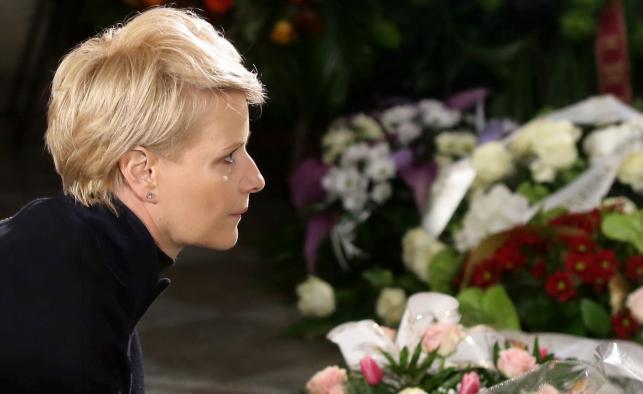 Aktorka Małgorzata Kożuchowska podczas uroczystości pogrzebowych Witolda Pyrkosza