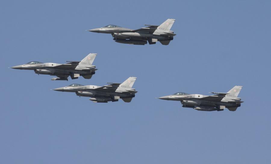 Polskie F16