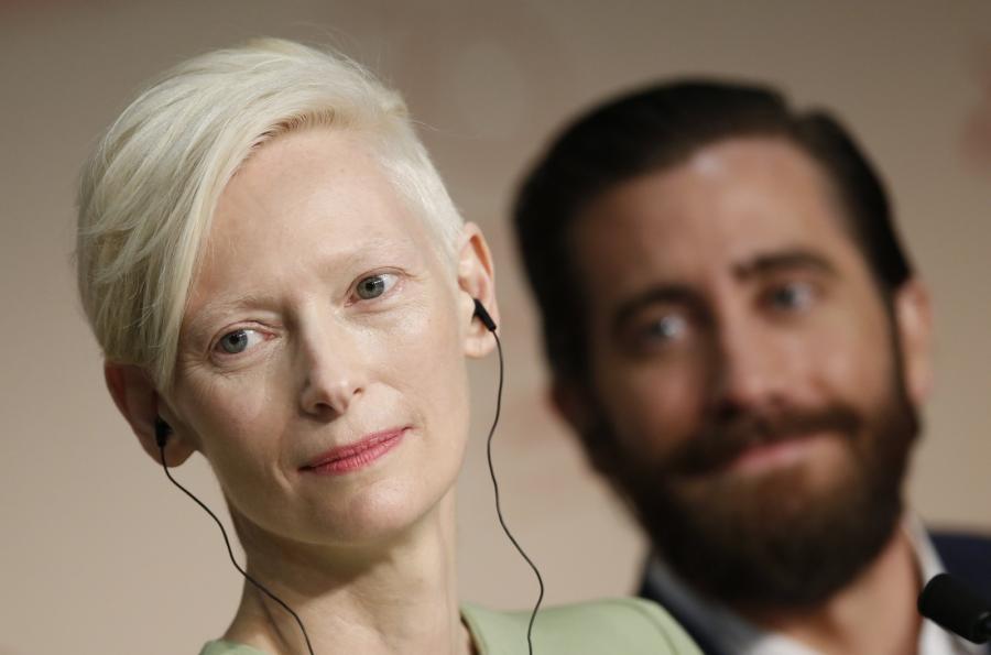 Tilda Swinton i Jake Gyllenhaal na konferencji prasowej do filmu \