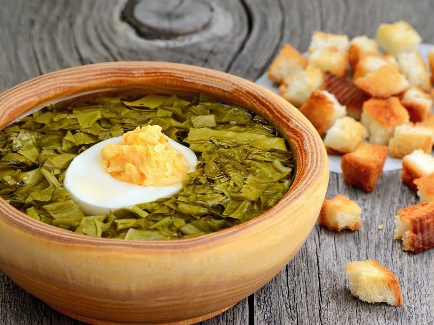 Zupa szczawiowa z grzankami