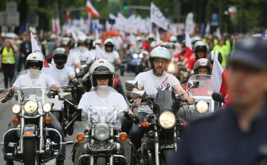 Motocykliści z KOD