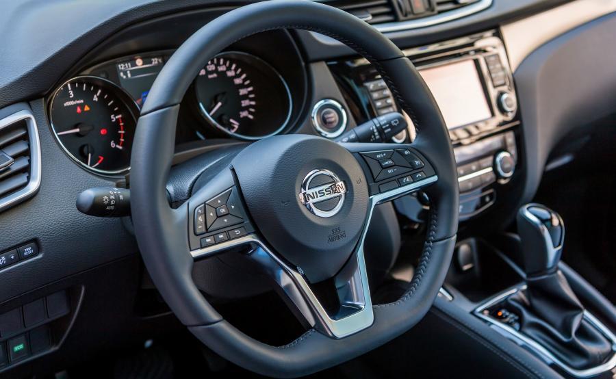 Pogrubiony wieniec nowej kierownicy (z 34 do 37,5 mm) zapewnia wygodniejszy i pewniejszy chwyt