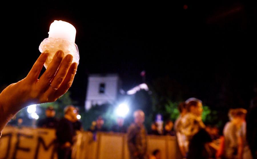 Nocny protest przed Sejmem