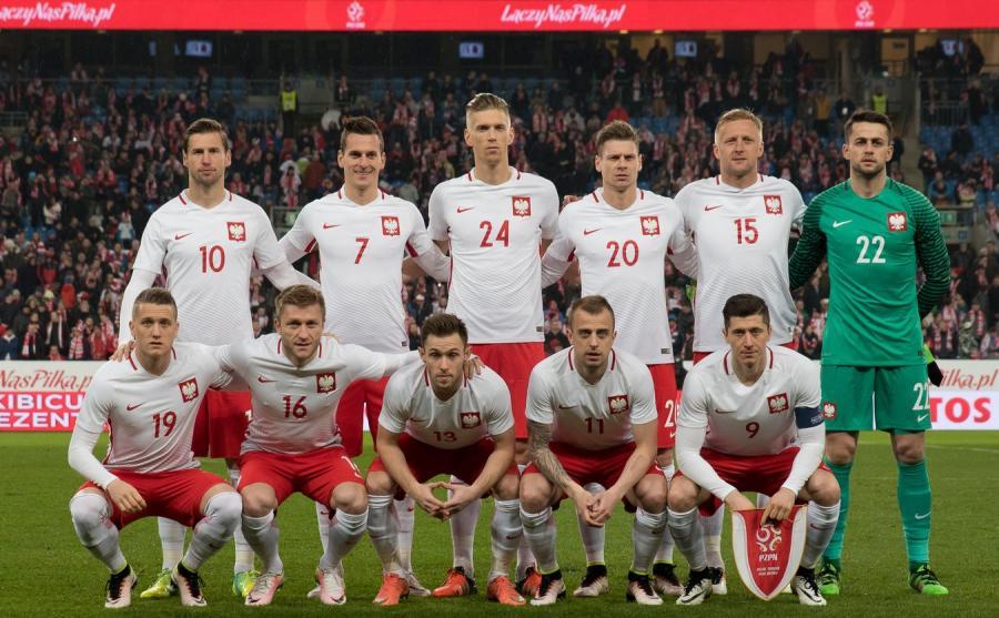 11eaa3830 Reprezentacja Polski zajmuje piąte miejsce, najwyższe w historii, w rankingu  Międzynarodowej Federacji Piłki Nożnej (FIFA). Przed biało-czerwonymi są  już ...