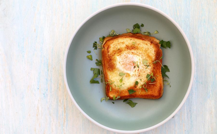 Tost z jajkiem