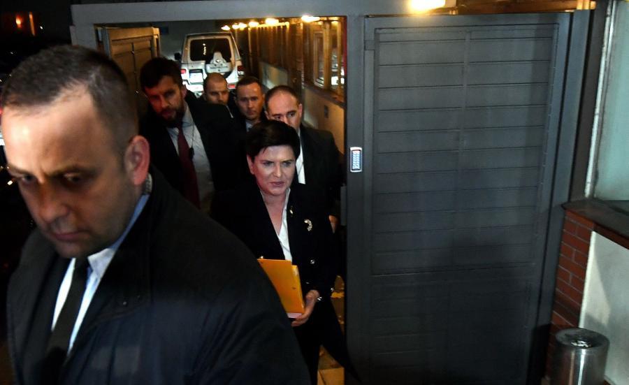 Beata Szydło w drodze na spotkanie