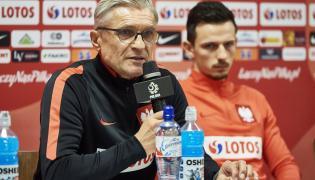 Trener piłkarskiej reprezentacji Polski Adam Nawałka (L) i piłkarz Rafał Wolski (P)