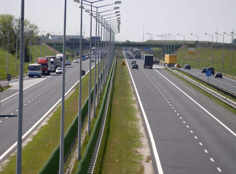 Wielka rewolucja na drogach. Pozwolili jeździc szybciej!