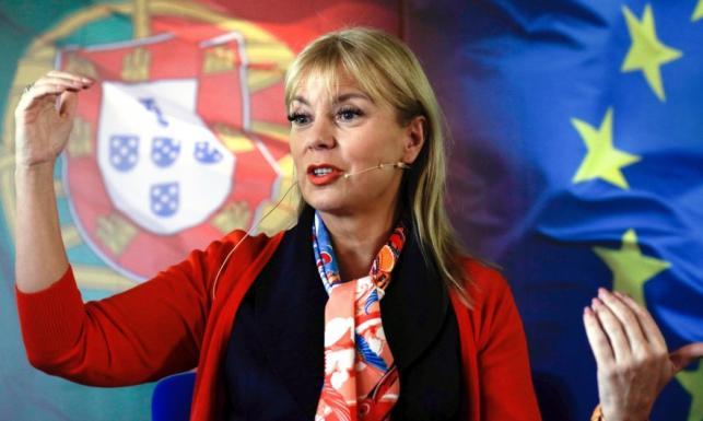 Nie do przeoczenia: odważny makijaż komisarz Bieńkowskiej. FOTO