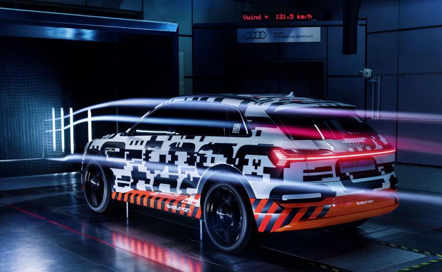 Współczynnik oporu powietrza rzędu 0,28, daje prototypowi Audi e-tron najlepszy pod tym względem wynik w segmencie modeli SUV