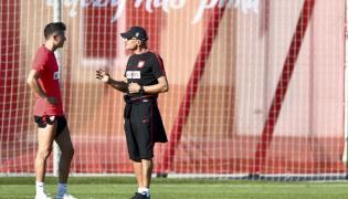 Trener reprezentacji Polski Adam Nawałka (P) i kapitan naszej drużyny Robert Lewandowski (L)