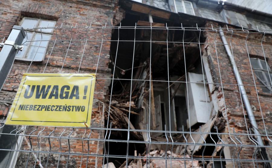 Fragment ściany kamienicy przy ul. Poznańskiej 21 w Warszawie