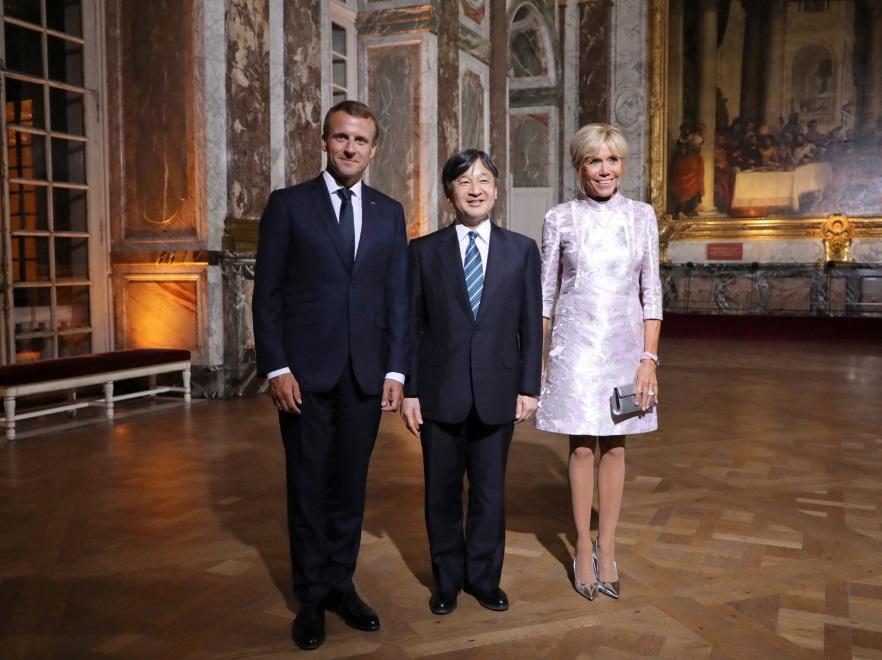 Emmanuel Macron, książę Naruhito i Brigitte Macron