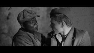 """Kadr z filmu """"Cudzoziemcy w Powstaniu Warszawskim"""""""
