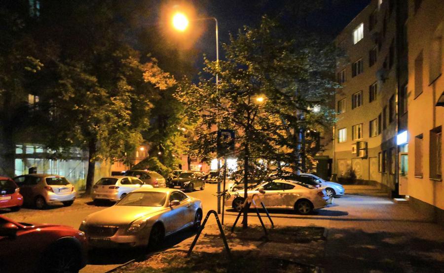 Zdjęcie wykonane Honorem Play w nocy