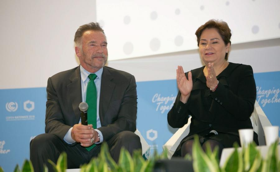 Amerykański aktor Arnold Schwarzenegger (L) i sekretarz wykonawcza UNFCCC Patricia Espinosa (P)