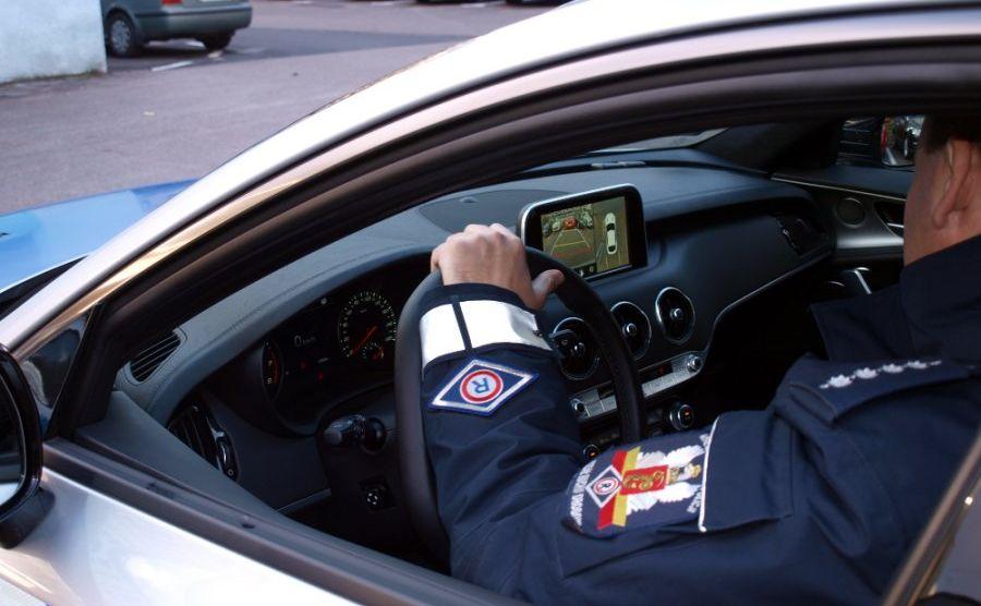 Policyjna Kia Stinger GT