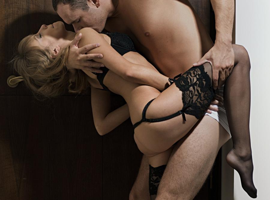 Mało romantyczne powody, dla których kobiety uprawiają seks
