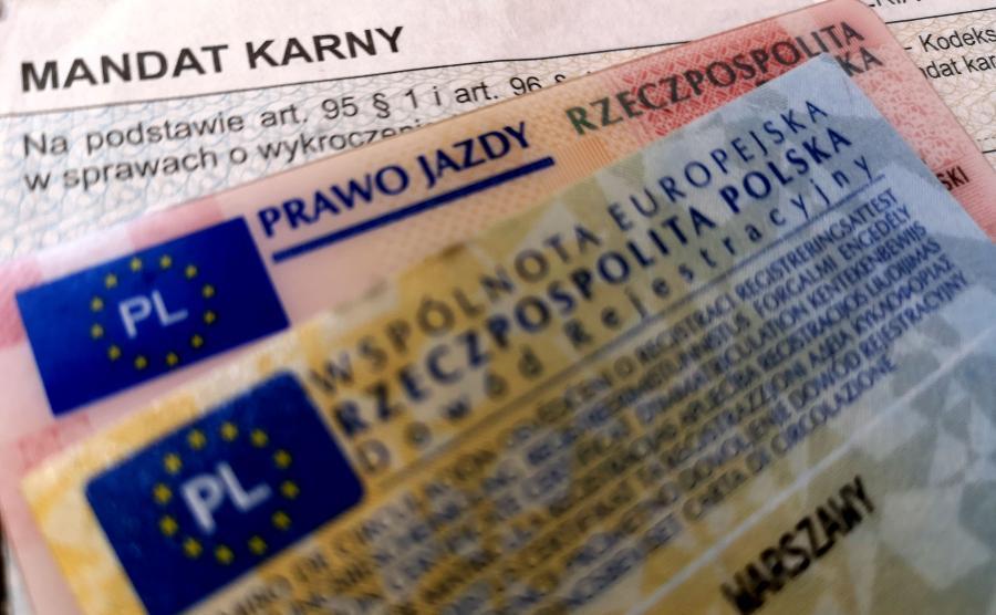 Mandat, prawo jazdy, dowód rejestracyjny