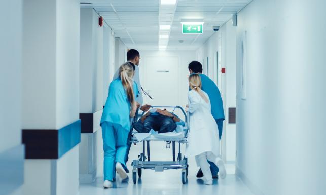 Służba zdrowia w Polsce. Jak wygląda naprawdę? [LICZBY I DANE]