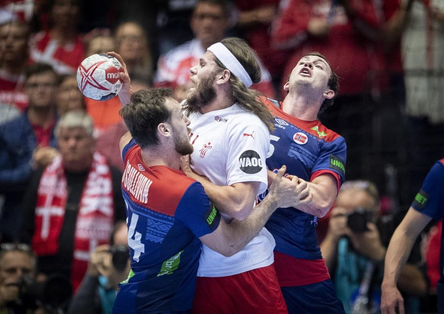 Mikkel Hansen (w środku)