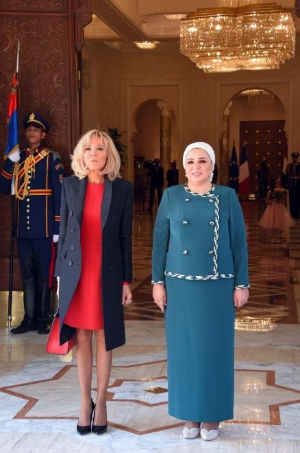 Brigitte Macron i Entissar Amer