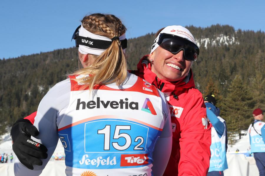 Justyna Kowalczyk (P) i Monika Skinder (L)
