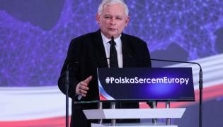 Prezes PiS Jarosław Kaczyński przemawia podczas konwencji regionalnej w Białymstoku