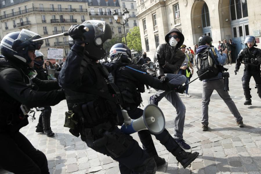 Starcia w Paryżu przy okazji uroczystości z okazji Święta Pracy
