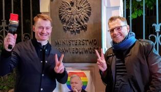Bartosz Kramek z Fundacji Otwarty Dialog i Marcin Mycielski z KOD