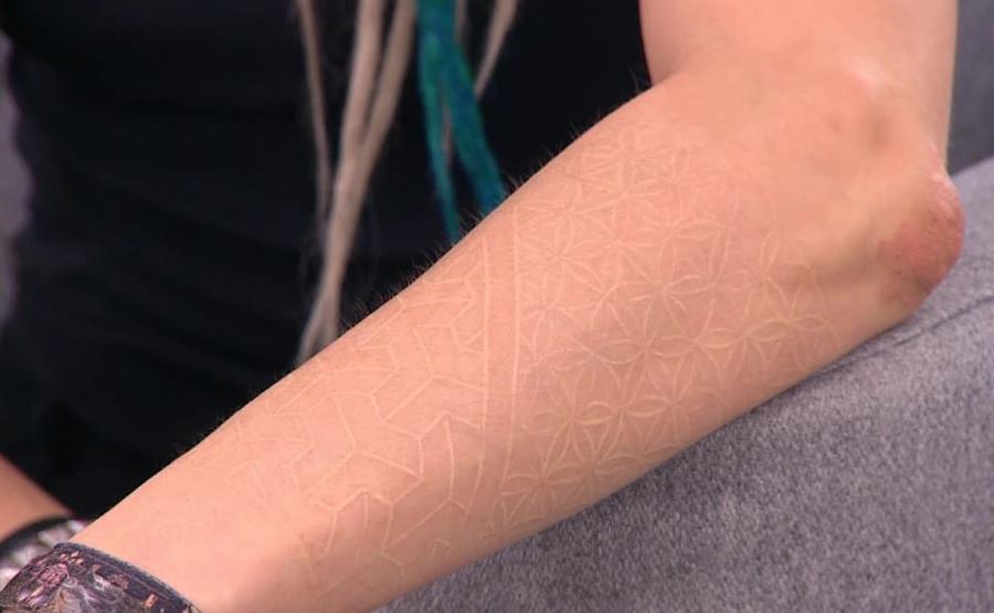 Czy Tatuaże Białe I Uv Są Zdrowe Aktualności Zdrowie