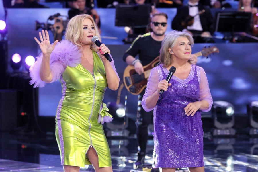 Majka Jeżowska i Krystyna Prońko na scenie festiwalu w Opolu. Czerwiec 2019