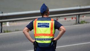 Węgierski policjant