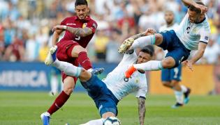 Junior Moreno, Leandro Paredes i German Pezzella