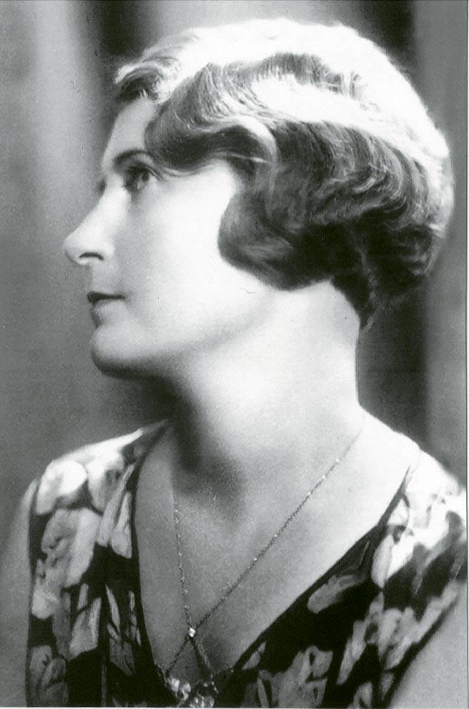 Leonia Gutowska,matka Janiny Rozeckiej, zdjęcie-przedwojenne