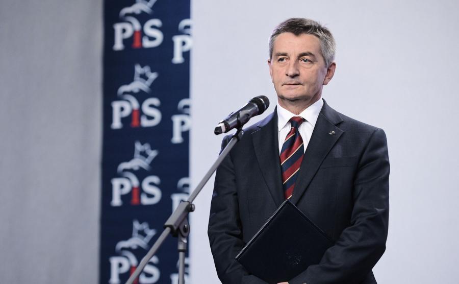 Marszałek Kuchciński wygłasza oświadczenie
