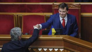 Nowy premier Ukrainy przyjmuje gratulacje