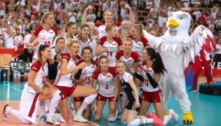 Siatkarki reprezentacji Polski cieszą się ze zwycięstwa po meczu 1/8 finału mistrzostw Europy z Hiszpanią