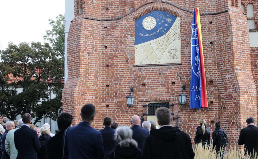 Zegar słoneczny w Płocku
