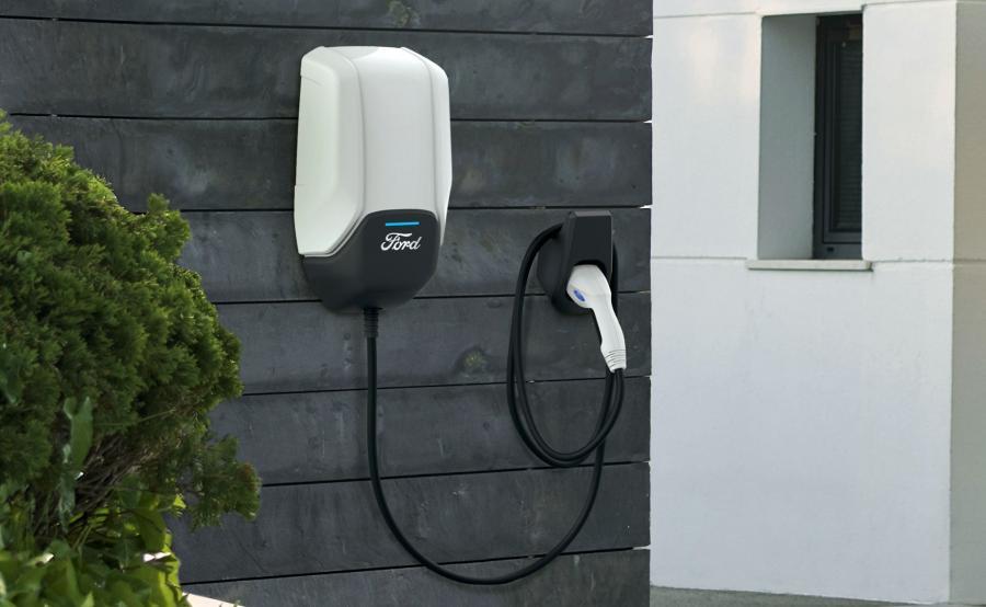 Connected Wallbox Forda ma umożliwić prostsze, szybsze i tańsze ładowanie zelektryfikowanych pojazdów w domu