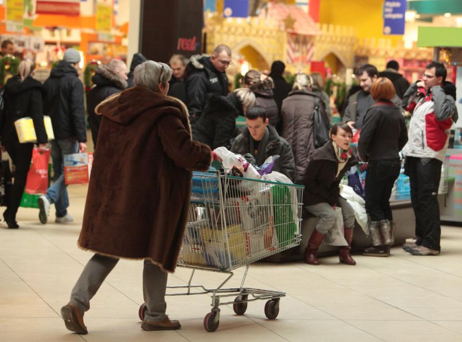 Ekonomiści: Polacy kupują, więc gospodarka rośnie