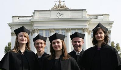 Płatne studia zapobiegną katastrofie w Polsce