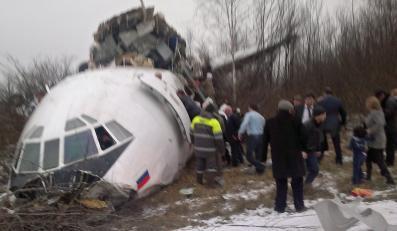 Tu-154 rozpadł się na trzy części w trakcie awaryjnego lądowania