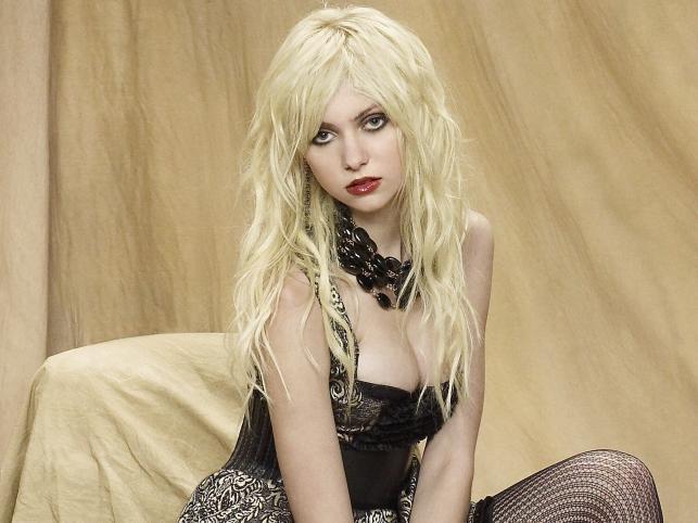 Młoda gwiazdka Taylor Momsen przyznała, że ma za mało czasu na mycie. Jest bardzo zapracowana!