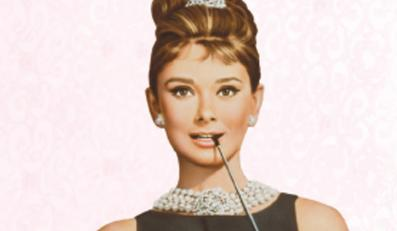 """Audrey Hepburn w filmie """"Śniadanie u Tiffany'ego""""."""