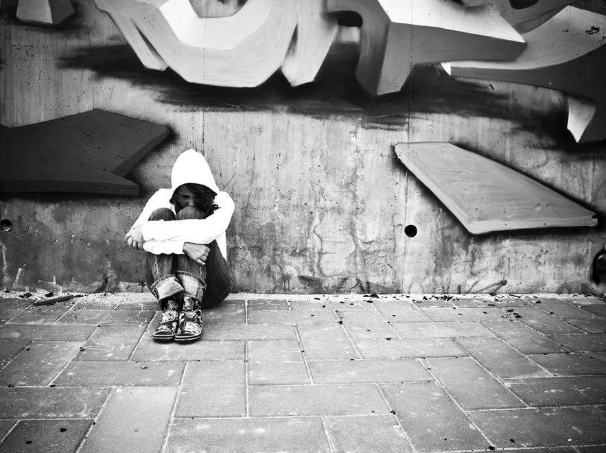 Dziecko przesiadujące na ulicy powinno wzbudzać czujność dorosłych.