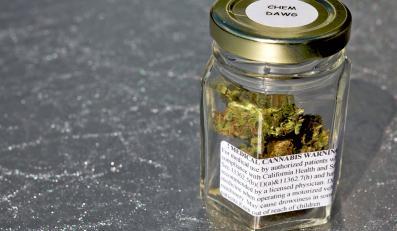 Marihuana zapakowana w słoik