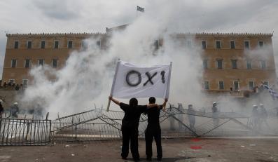 Eurogrupa zgadza się przekazać Grecji kolejną transzę pożyczki
